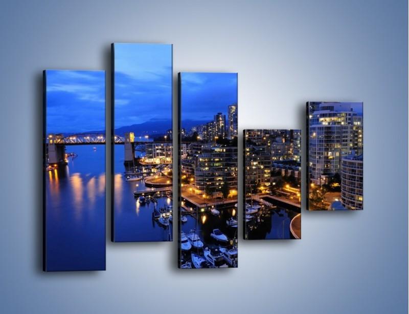 Obraz na płótnie – Port na jachty w mieście nocą – pięcioczęściowy AM250W4