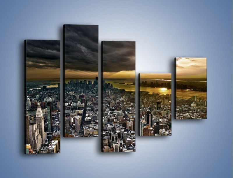 Obraz na płótnie – Czarne chmury nad Nowym Yorkiem – pięcioczęściowy AM347W4