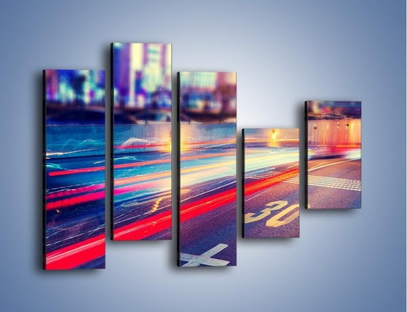 Obraz na płótnie – Ulica w ruchu świateł samochodowych – pięcioczęściowy AM482W4