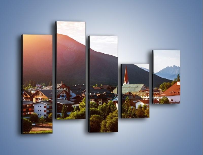 Obraz na płótnie – Austryjackie miasteczko u podnóży gór – pięcioczęściowy AM496W4
