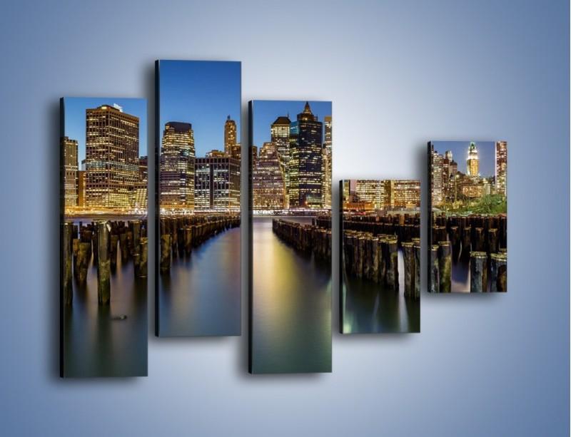 Obraz na płótnie – Zniszczone molo i widok na Manhattan – pięcioczęściowy AM601W4