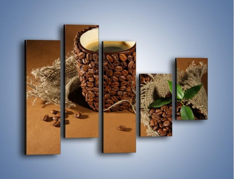 Obraz na płótnie – Kubek z ziarnami kawy – pięcioczęściowy JN388W4