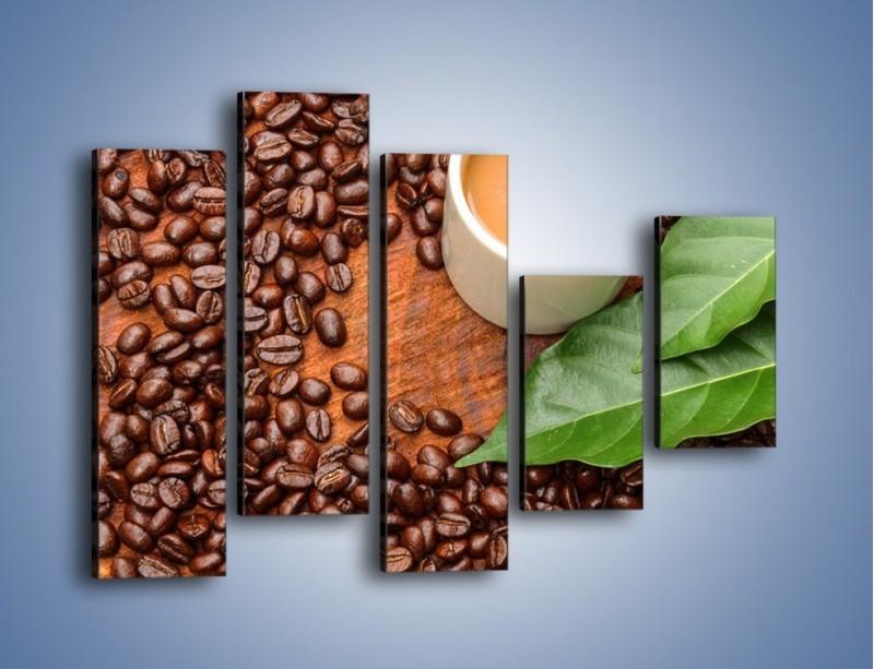 Obraz na płótnie – Ziarna kawy pod liściem – pięcioczęściowy JN417W4