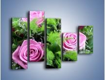Obraz na płótnie – Bukiet róż wypełniony trawką – pięcioczęściowy K068W4