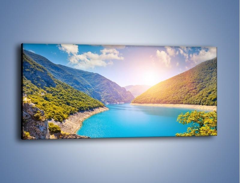 Obraz na płótnie – Lazurowe wody wśród gór – jednoczęściowy panoramiczny KN1247A