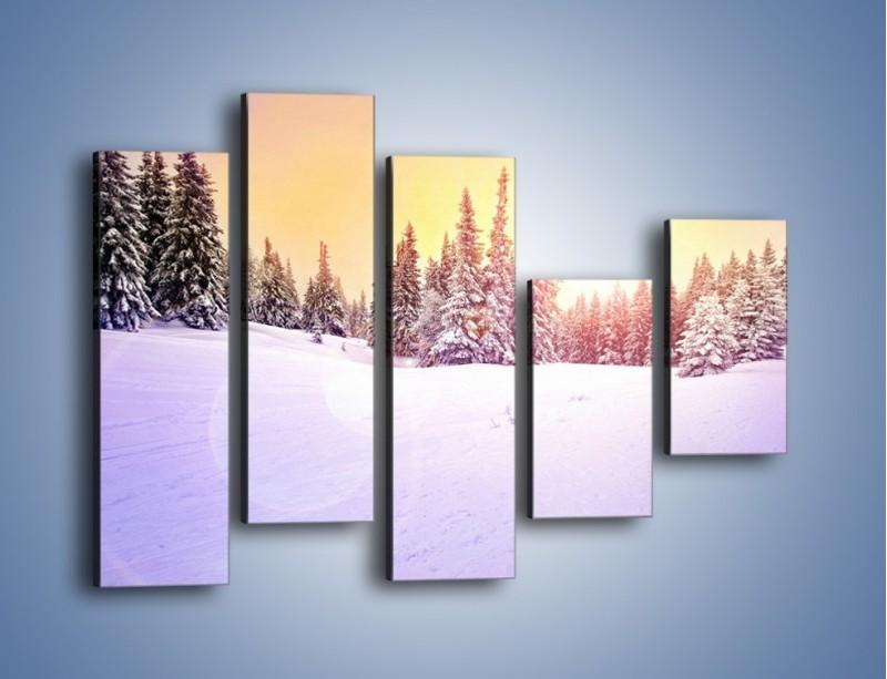 Obraz na płótnie – Choinki zatopione w śniegu – pięcioczęściowy KN940W4