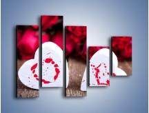 Obraz na płótnie – Dwa idealnie pasujące serca – pięcioczęściowy O211W4