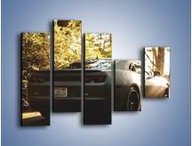 Obraz na płótnie – Chevrolet Camaro w matowym kolorze – pięcioczęściowy TM132W4