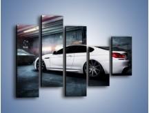 Obraz na płótnie – BMW M6 F13 w garażu – pięcioczęściowy TM165W4