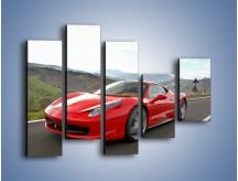 Obraz na płótnie – Czerwone Ferrari 458 Italia – pięcioczęściowy TM194W4