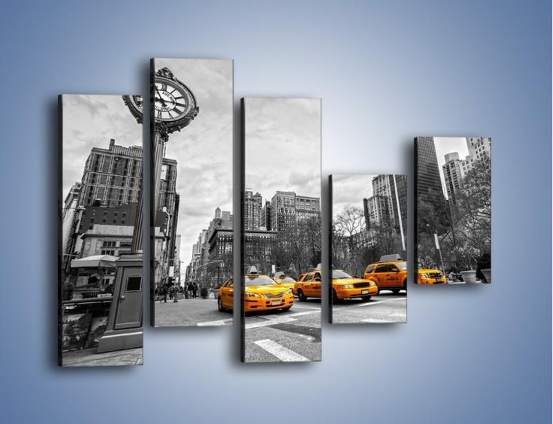 Obraz na płótnie – Żółte taksówki na szarym tle miasta – pięcioczęściowy TM225W4