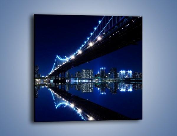 Obraz na płótnie – Oświetlony most w odbiciu wody – jednoczęściowy kwadratowy AM211
