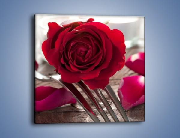 Obraz na płótnie – Kwiat na ostrzu widelca – jednoczęściowy kwadratowy K181