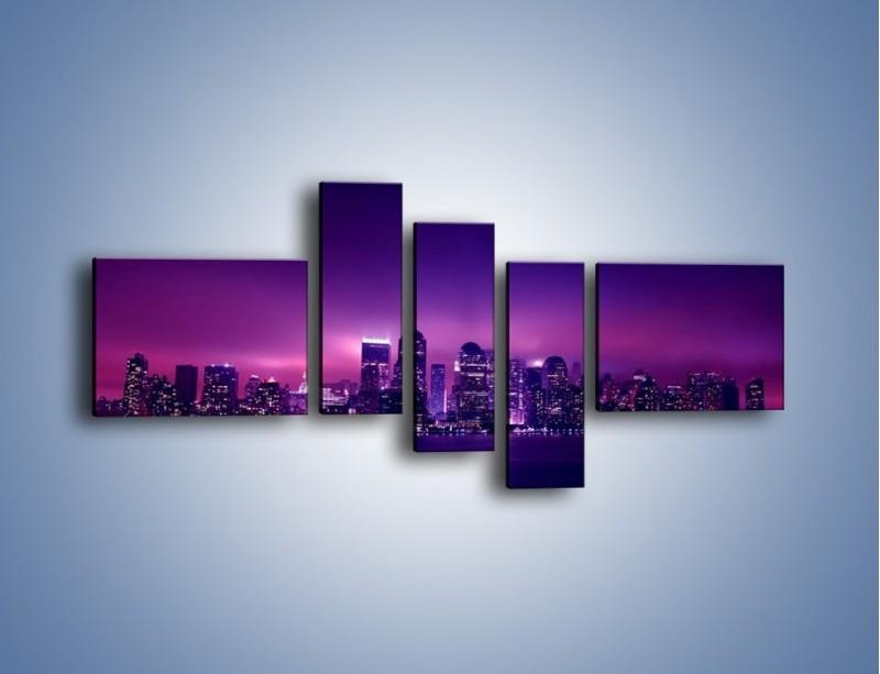 Obraz na płótnie – Wieżowce w odcieniach fioletu – pięcioczęściowy AM008W5