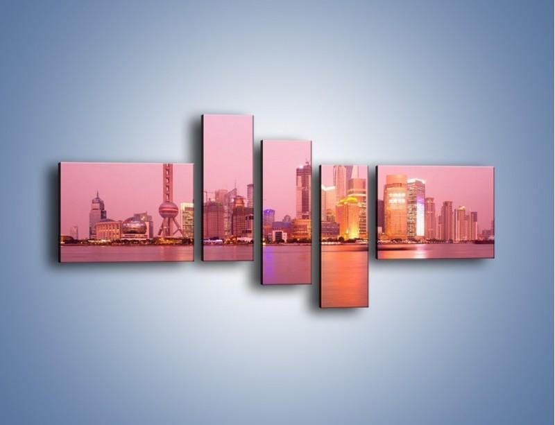 Obraz na płótnie – Miasto o poranku w odcieniach różu – pięcioczęściowy AM020W5