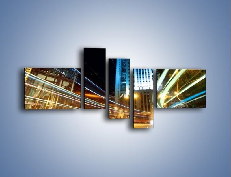 Obraz na płótnie – Światła w ruchu ulicznym – pięcioczęściowy AM048W5