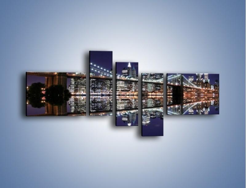 Obraz na płótnie – Most Brookliński w lustrzanym odbiciu wody – pięcioczęściowy AM067W5