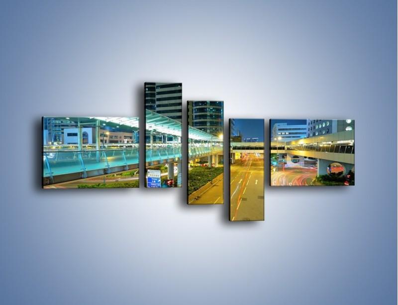 Obraz na płótnie – Droga na lotnisko w Japonii – pięcioczęściowy AM088W5