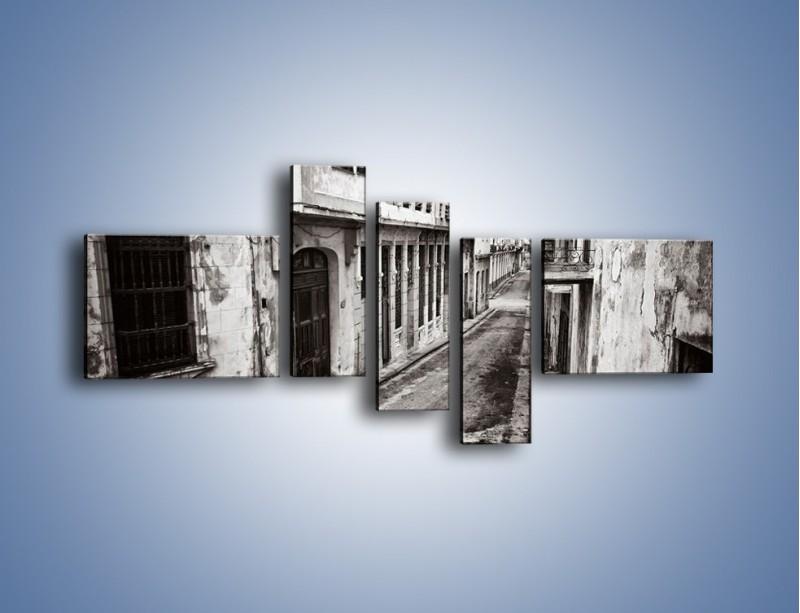 Obraz na płótnie – Urokliwa uliczka w starej części miasta – pięcioczęściowy AM124W5