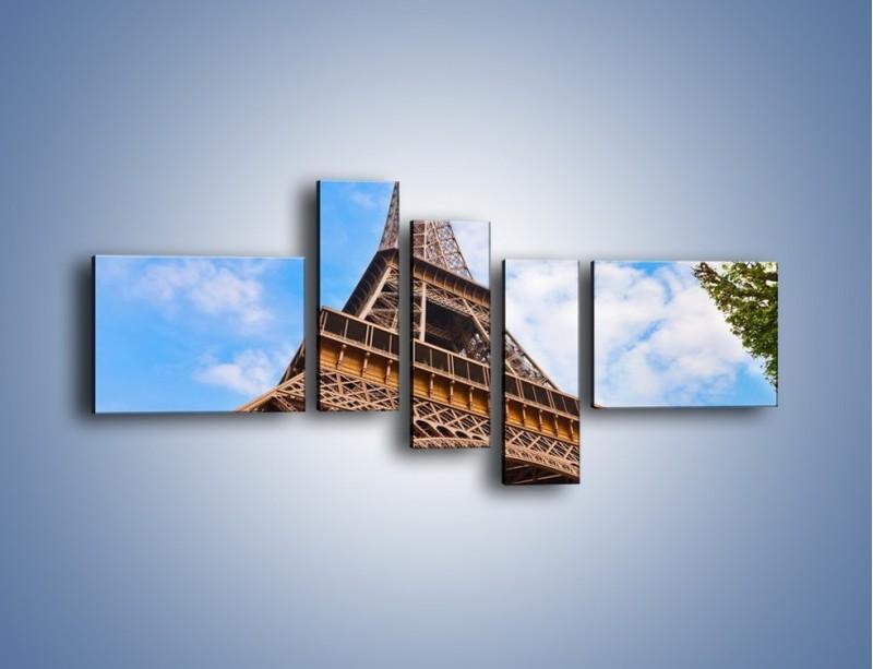 Obraz na płótnie – Wieża Eiffla pod chmurkami – pięcioczęściowy AM173W5