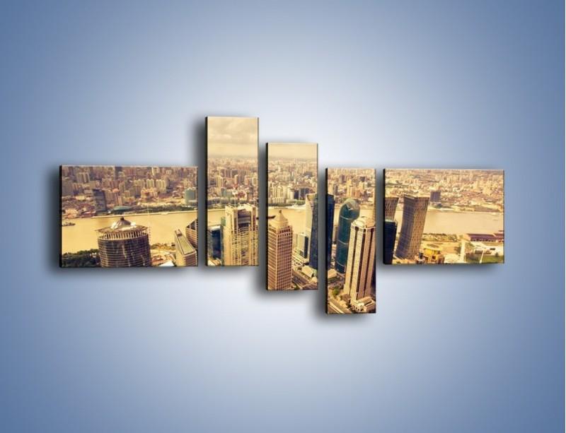 Obraz na płótnie – Miasto w pochmurny dzień – pięcioczęściowy AM178W5