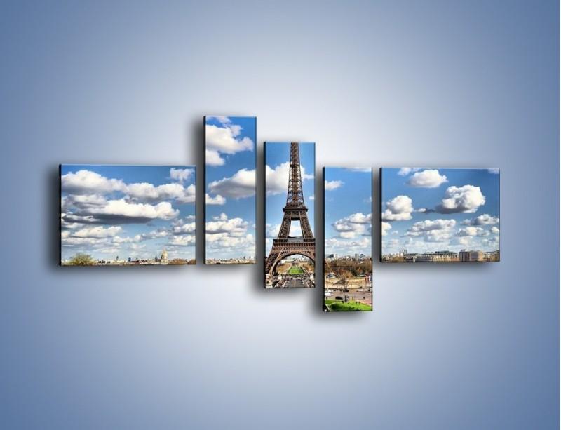 Obraz na płótnie – Wieża Eiffla w pochmurny dzień – pięcioczęściowy AM227W5