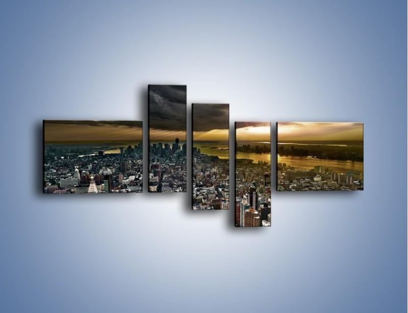 Obraz na płótnie – Czarne chmury nad Nowym Yorkiem – pięcioczęściowy AM347W5