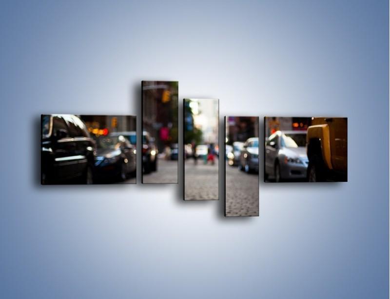 Obraz na płótnie – Rozmyty świat centrum miasta – pięcioczęściowy AM367W5