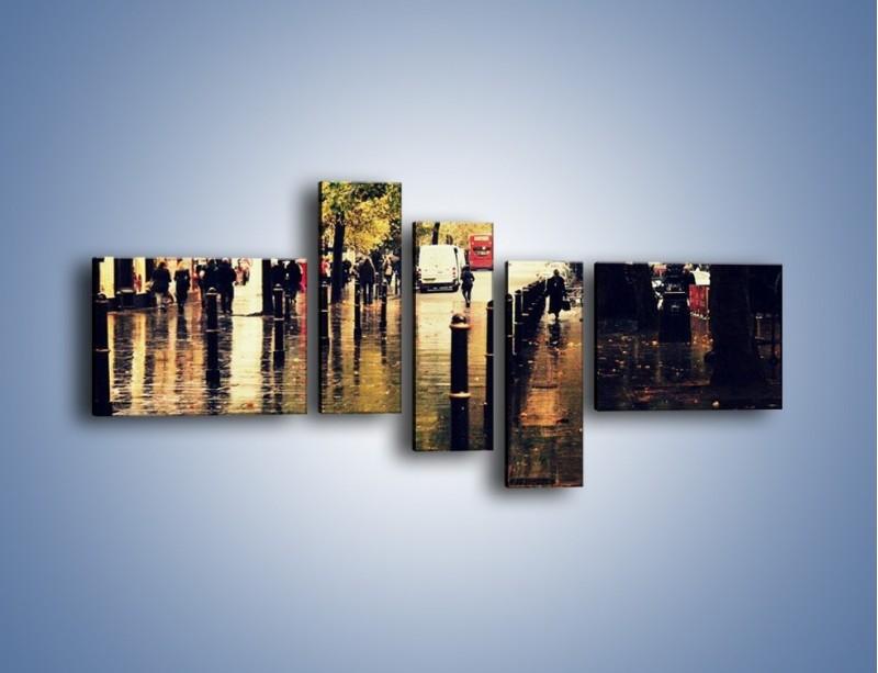 Obraz na płótnie – Deszczowa jesień w Moskwie – pięcioczęściowy AM383W5