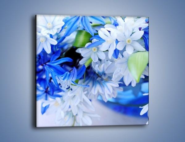 Obraz na płótnie – Kwiaty w kolorze zimy – jednoczęściowy kwadratowy K190