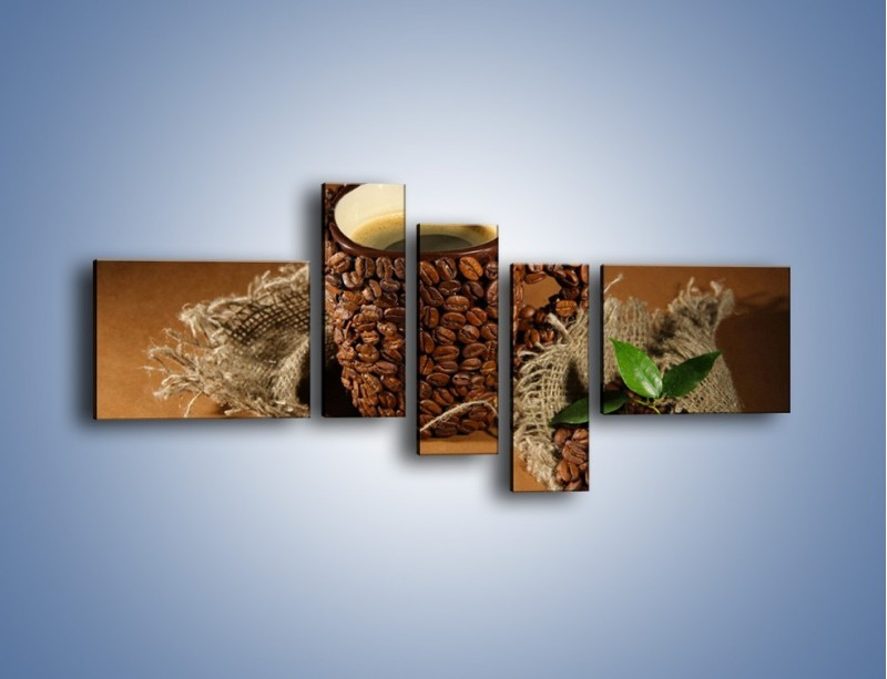 Obraz na płótnie – Kubek z ziarnami kawy – pięcioczęściowy JN388W5