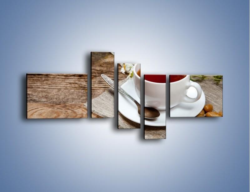Obraz na płótnie – Herbata wśród stokrotek – pięcioczęściowy JN413W5