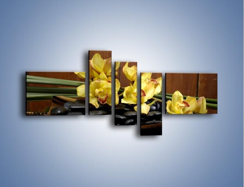 Obraz na płótnie – Kwiaty na drewnianym naczyniu – pięcioczęściowy K575W5