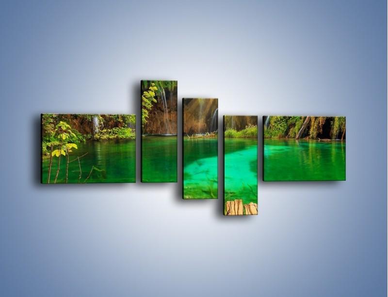 Obraz na płótnie – Zielone oczko wodne i drewno – pięcioczęściowy KN1149AW5