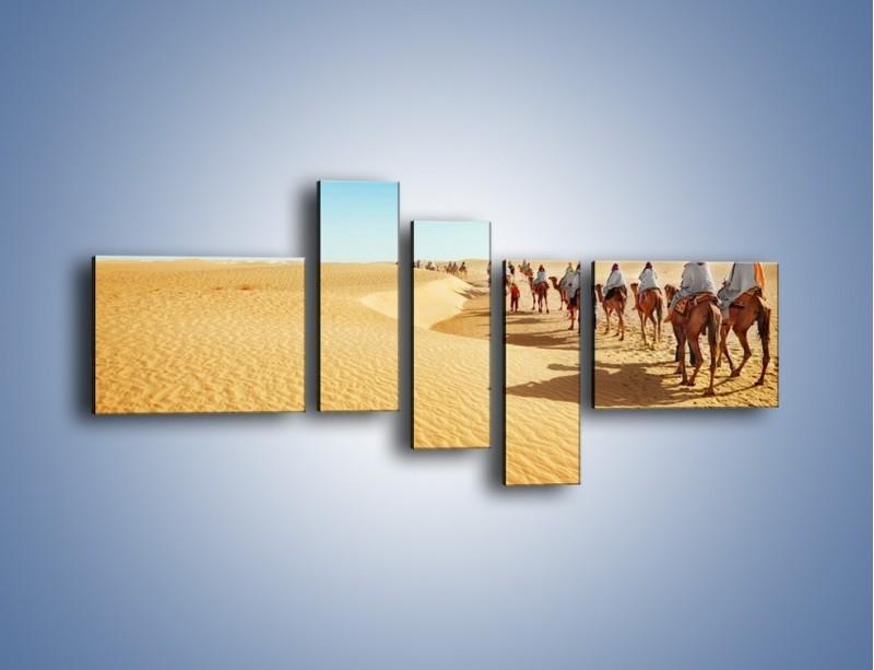 Obraz na płótnie – Szła karawana przez pustynię – pięcioczęściowy KN1173AW5