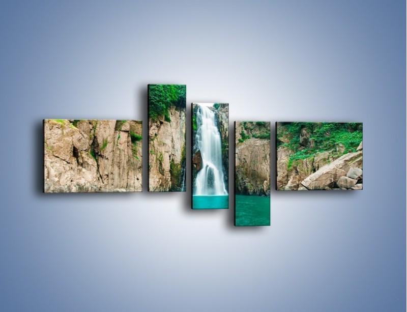 Obraz na płótnie – Skok ze skarpy do wody – pięcioczęściowy KN1184AW5