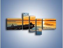 Obraz na płótnie – Bliskość na drewnianym pomoście – pięcioczęściowy KN1361AW5