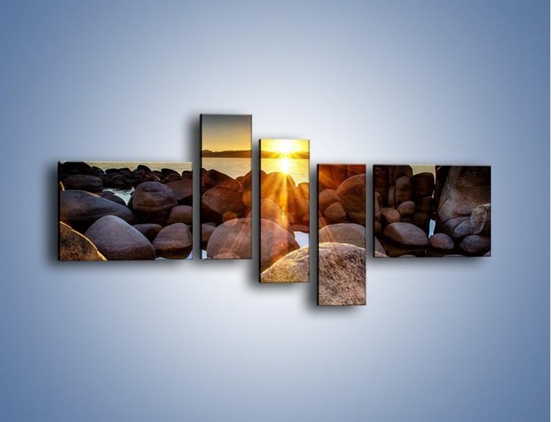 Obraz na płótnie – Kamienna wyspa w słońcu – pięcioczęściowy KN888W5