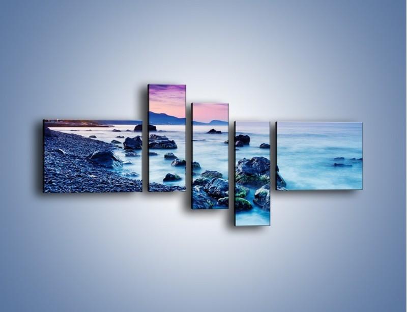 Obraz na płótnie – Kamienny brzeg nad błękitem – pięcioczęściowy KN913W5