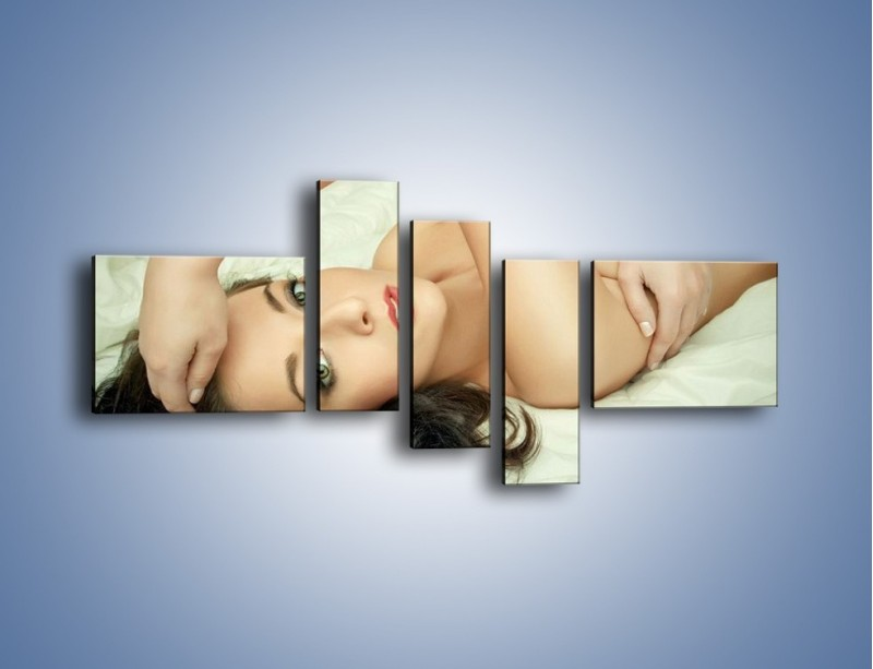 Obraz na płótnie – Kobieta w łóżku – pięcioczęściowy L133W5