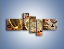 Obraz na płótnie – Kompas zatopiony w monetach – pięcioczęściowy O089W5