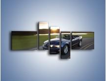 Obraz na płótnie – Ford Mustang Shelby GT500 na zakręcie – pięcioczęściowy TM051W5