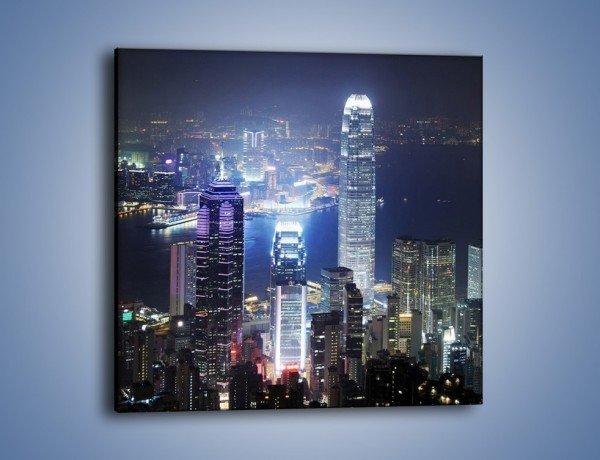 Obraz na płótnie – Miasto oświetlone nocą – jednoczęściowy kwadratowy AM223