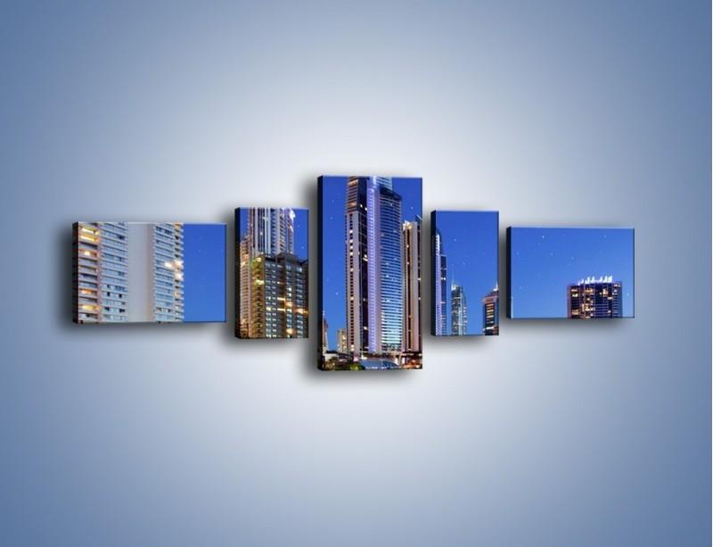 Obraz na płótnie – Rozgwieżdżone niebo nad wieżowcami – pięcioczęściowy AM031W6