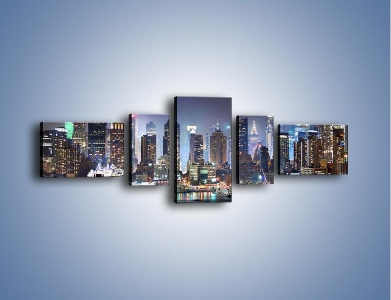 Obraz na płótnie – Oświetlone miasto nocą – pięcioczęściowy AM034W6