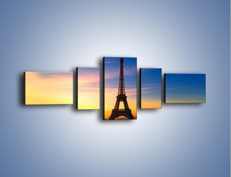 Obraz na płótnie – Wieża Eiffla o zachodzie słońca – pięcioczęściowy AM052W6