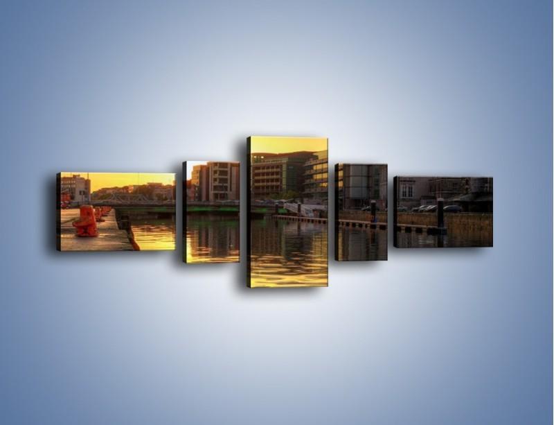 Obraz na płótnie – Kanał portowy o wschodzie słońca – pięcioczęściowy AM079W6