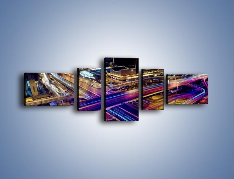 Obraz na płótnie – Skrzyżowanie autostrad nocą w ruchu – pięcioczęściowy AM087W6