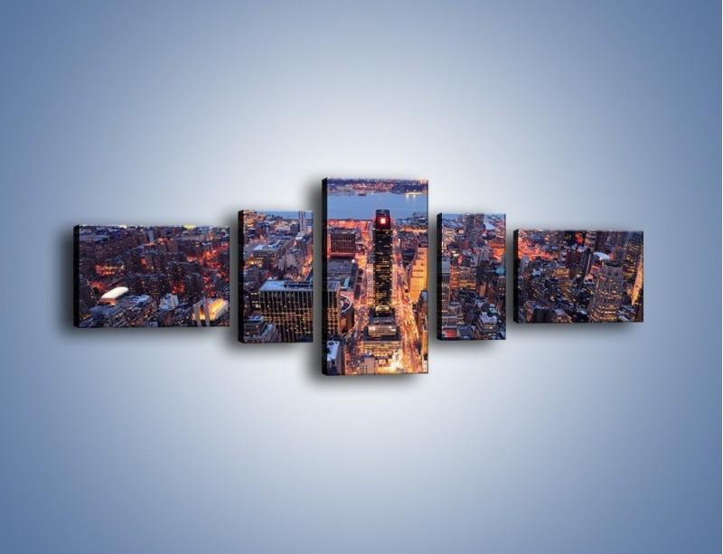 Obraz na płótnie – Budzące się ze snu miasto – pięcioczęściowy AM097W6