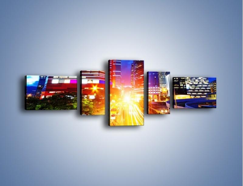 Obraz na płótnie – Miasto w żywych kolorach – pięcioczęściowy AM131W6